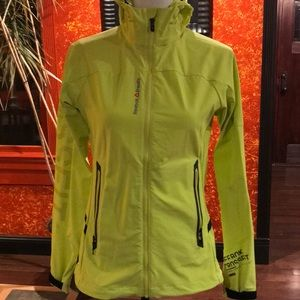 Reebok yellow CrossFit jacket perfect for running